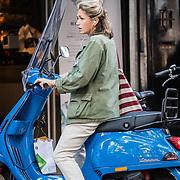 2016-08-30 Zwangere Do op scooter