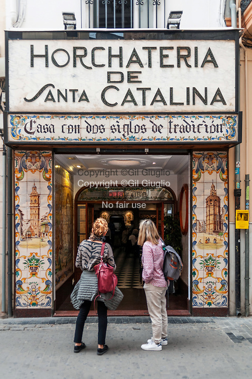 Espagne, Valence, vieille-ville, Place de Santa Caterina, bar tradtionnel Horchateria de Santa Catalina // Spain, Valencia, old town, Santa Caterina place, tradtional bar of Horchateria Santa Catalina