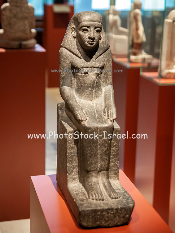 seated statue of Seni-ankh, Middle Kingdom, 13th Dynasty, 1786-1665 BC