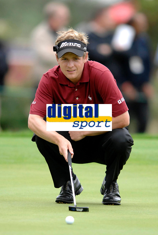 Photo: Richard Lane.<br />WGC American Express Championship, The Grove. 28/09/2006. <br />Luke Donald of England during the 1st round.