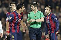 Fotball<br /> Spania<br /> Foto: imago/Digitalsport<br /> NORWAY ONLY<br /> <br /> FC Barcelona Barca s Luis Suarez have words with the referee Alberto Undiano Mallenco during La Liga match.January 11,2015.