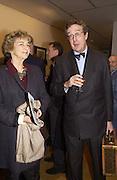 Lord Charles Cecil, Matthew Carr exhibition opening, Marlborough Fine Art, 25 November 2003. © Copyright Photograph by Dafydd Jones 66 Stockwell Park Rd. London SW9 0DA Tel 020 7733 0108 www.dafjones.com