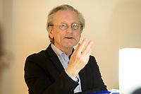 04 FEB 2020, BERLIN/GERMANY:<br /> Prof. Dr. Peter Brandt, Historiker, Europaeischer Abend, Willi-Eichler-Bildungswerk, Galerie Lawrence<br /> IMAGE: 20200204-01-044