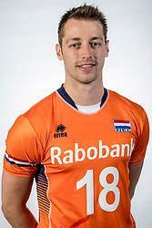10-05-2017 NED: Selectie Nederlands volleybal team mannen 2017, Arnhem<br /> Op Papendal werd de selectie gepresenteerd / Robbert Andringa #18