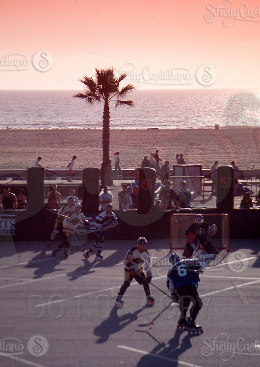 May 22, 2002; Los Angeles, CA, USA; NHL Breakout. Roller Hockey and Inline Skating is a hot sport in 2002. Kids, women, adults are playing in leagues throughout the United States and Canada that play year around.<br />Mandatory Credit: Photo by Shelly Castellano/ZUMA Press.<br />(©) Copyright 2002 by Shelly Castellano