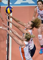 04-01-2016 TUR: European Olympic Qualification Tournament Nederland - Duitsland, Ankara <br /> De Nederlandse volleybalvrouwen hebben de eerste wedstrijd van het olympisch kwalificatietoernooi in Ankara niet kunnen winnen. Duitsland was met 3-2 te sterk (28-26, 22-25, 22-25, 25-20, 11-15) / Nicole Koolhaas #22, Maret Balkestein-Grothues #6