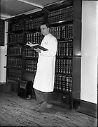 01/03/1958<br /> 03/01/1958<br /> 01 March 1958<br /> Dr. Michelson, Guinness Chemist at Guinness Brewery, St James's Gate, Dublin.