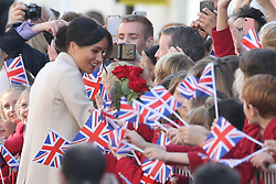 October 3, 2018 - Chichester, United Kingdom - Image licensed to i-Images Picture Agency. 03/10/2018. Chichester , United Kingdom. Prince Harry and Meghan Markle, the Duke and Duchess of Sussex on a walkabout in Chichester,Sussex, United Kingdom. (Credit Image: © Stephen Lock/i-Images via ZUMA Press)