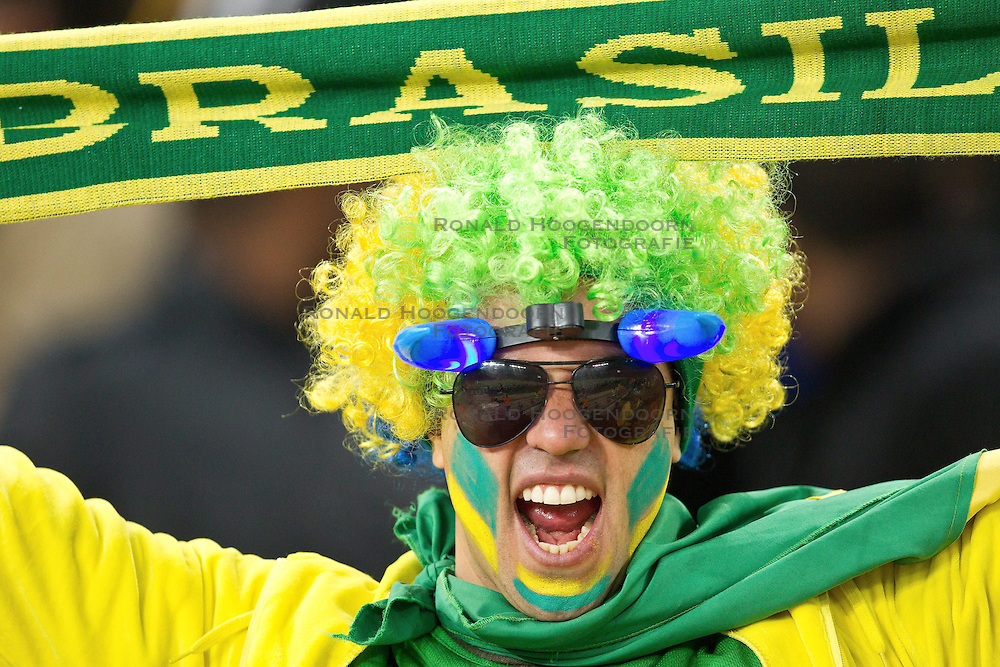 20-06-2010 VOETBAL: FIFA WORLDCUP 2010 BRAZILE - IVOORKUST: JOHANNESBURG <br /> Support publiek Brazil fan <br /> ©2010-FRH- NPH/ Vid Ponikva (Netherlands only)