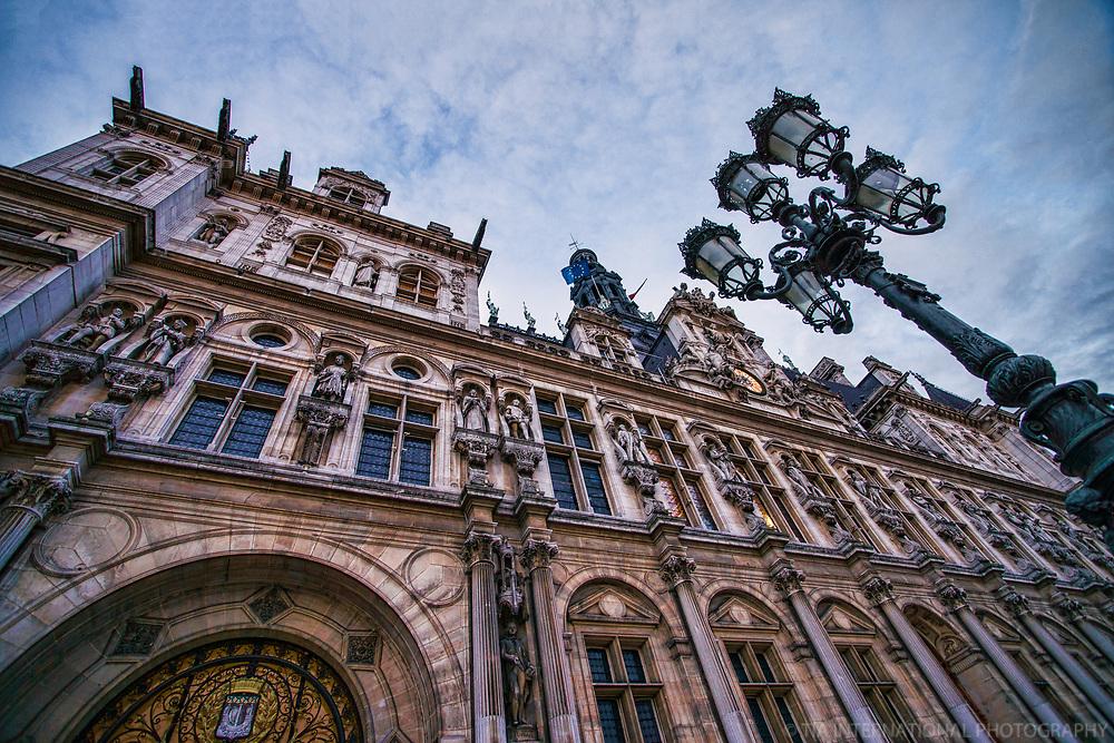 L'Hôtel de Ville (Paris City Hall)