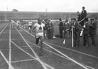 H906<br /> Aonach Tailteann Athletics - Croke Park. Canadian P. Edwards winning the 800 meters race. 1928. (Part of the Independent Newspapers Ireland/NLI Collection)