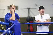 Boxen: Hamburg, 08.12.2020<br /> Trainer Mark Haupt und Cutmann Mick Brüggmann<br /> © Torsten Helmke
