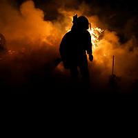 Zinacantepec, Mex.- Bomberos de cuatro municipios trabajan por mas de cinco horas para sofocar el fuego que destruyo esta madrugada un aserradero en la comunidad de San Pedro Tejalpa. Agencia MVT / Mario Vazquez de la Torre. (DIGITAL)<br /> <br /> <br /> <br /> NO ARCHIVAR - NO ARCHIVE