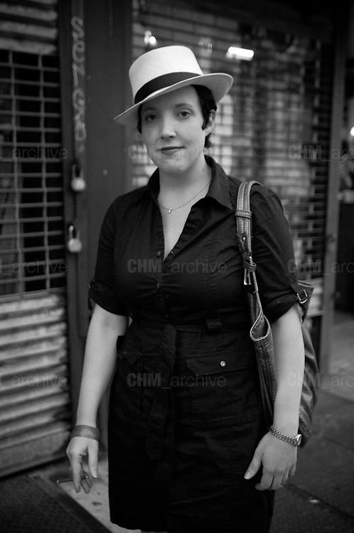 Woman in the street, Upper West Side. New York City, 16 june 2010. Christian Mantuano / OneShot