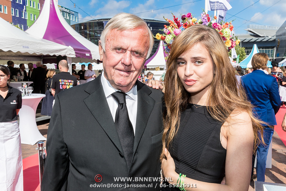 NLD/Amsterdam/20170617 - Amsterdamdiner 2017, Harry Mens en dochter Nour Mens