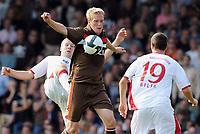 Fotball<br /> Tyskland<br /> 20.09.2009<br /> Foto: Witters/Digitalsport<br /> NORWAY ONLY<br /> <br /> v.l. Marius Ebbers, Jiri Bilek Kaiserslautern<br /> 2. Bundesliga FC St. Pauli - 1. FC Kaiserslautern 1:2