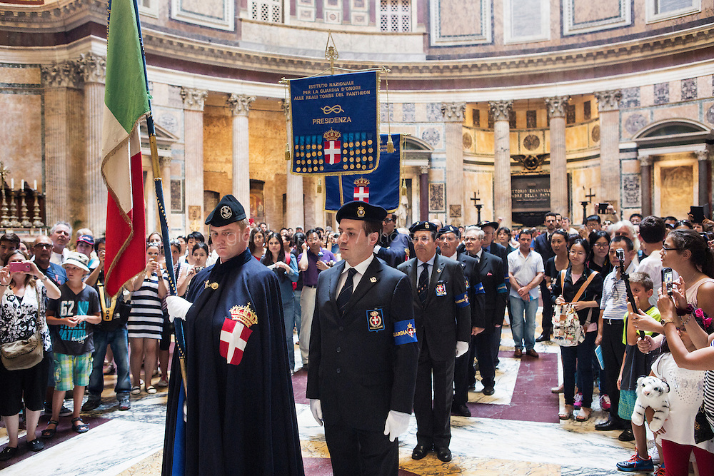 ROME, ITALY - 29 JULY 2014: Honor Guard to the royal tombs of the Pantheon stop by the tomb of Umberto I (King of Italy between 1878 and 1900) before the beginning of a mass that commemorate the anniversary of his assassination, at the Pantheon in Rome, Italy, on July 29th 2014.<br /> <br /> The National Institute for the Honor Guards to the royal tombs of the Pantheon is a monarchic-oriented whose goal is to watch over the royal tombs at the Pantheon. Italy's first king, Vittorio Emanuele II and his son Umberto I, as well as Umberto's wife Queen Margherita are entombed in the Pantheon.