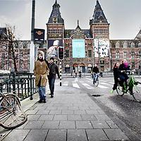 Nederland,Amsterdam ,26 februari 2008..Het Rijksmuseum gezien vanuit de museumbrug aan de Stadhouderskade..De verbouwing gaat langer duren dan verwacht.