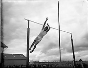 28/07/1956<br /> 07/28/1956<br /> 28 July 1956<br /> Athletics- All Ireland Athletic and Cycling Championships at the Iveagh Grounds, Dublin. Image shows the pole vault.