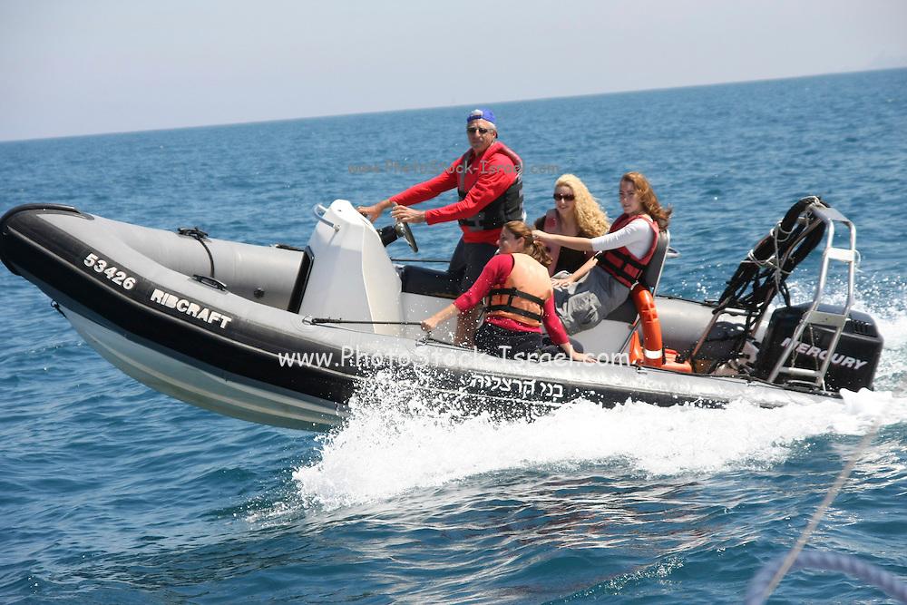 Rubber speed boat