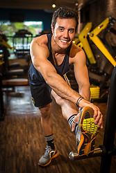 Ensaio fotográfico com o patinador Marcel Stürmer na Academia Praxis, em Porto Alegre. Considerado o melhor patinador da história do País, Marcel é detentor do título de Tetracampeão Pan-Americano (Toronto 2015, Guadalajara 2011, Rio 2007 e Santo Domingo 2003), Campeão dos Jogos Mundiais (Cali 2013) e Vice-campeão Mundial (Auckland 2012 e Brasília 2011).  FOTO: Gustavo Roth / Agência Preview