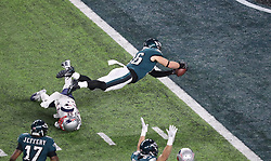 February 4, 2018 - Minneapolis, Minnesota, USA - Philadelphia Eagles tight end Zach Ertz (86) rolls into the end zone for the touchdown in the fourth quarter of Super Bowl LII Sunday, Feb. 4, 2018 in Minneapolis, Minn. The touchdown put the Eagles in the lead 38-33 after the two-point conversion attempt failed. (Credit Image: © Elizabeth Flores/TNS via ZUMA Wire)