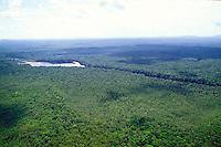 Río en zona selvática del Amazonas, Venezuela.