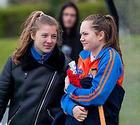 BLOEMENDAAL - Kiki Rozemeijer en Noor Smit (r)  na   hockey hoofdklasse competitiewedstrijd dames, Bloemendaal-Laren (1-3) .   COPYRIGHT KOEN SUYK