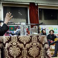 Nederland, Amsterdam , 10 februari 2011..Wethouder Lodewijk Asscher ligt onder vuur door een belangenbehartiger van Islamitische ouders dhr, Redouan Iboualatsen tijdens discussieavond in Islamitisch College op de Jacob Geelstraat voor Islamitische ouders omtrent thuisonderwijs ..Foto:Jean-Pierre Jans