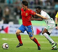 Fotball<br /> Spania v Saudi Arabia<br /> Innsbruck Østerrike<br /> 29.05.2010<br /> Foto: Gepa/Digitalsport<br /> NORWAY ONLY<br /> <br /> FIFA Weltmeisterschaft 2010 in Suedafrika, Vorberichte, Vorbereitung, Vorbereitungsspiel, Freundschaftsspiel, Laenderspiel, Spanien vs Saudi Arabien.<br /> <br /> Bild zeigt David Silva (ESP) und Kariri Saud Ali (KSA).