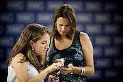 Belo Horizonte_MG, 16 de fevereiro de 2011. .PEGN / Mulheres Empreendedoras..Documentacao do Projeto 10.000 Mulheres do Banco Goldman Sachs teve inicio em 2008 e preve, em 5 anos, investir U$ 100 milhoes na formacao de mulheres empreendedoras de paises em desenvolvimento. No Brasil, a Fundacao Dom Cabral e a responsavel pelo projeto e, 500 mulheres, donas de micro e pequenos negocios foram escolhidas para o programa de gestao empresarial e estruturacao de um plano de negocios. A documentacao fotografica e feita com 5 mulheres que participa do curso em Belo Horizonte...Na foto, Leticia Alvim Guimaraes (Branco), do negocio de comida mexicana, Tacomtudo e Rosani Aparecida de Souza Lopes, da empresa, Bufalo Ferramentas Ltda...Contato:..Rosani.(31) 8611 0564.rosanibufalo@yahoo.com.br ..Leticia.tacomtudobh@hotmail.com..Foto: NIDIN SANCHES / NITRO