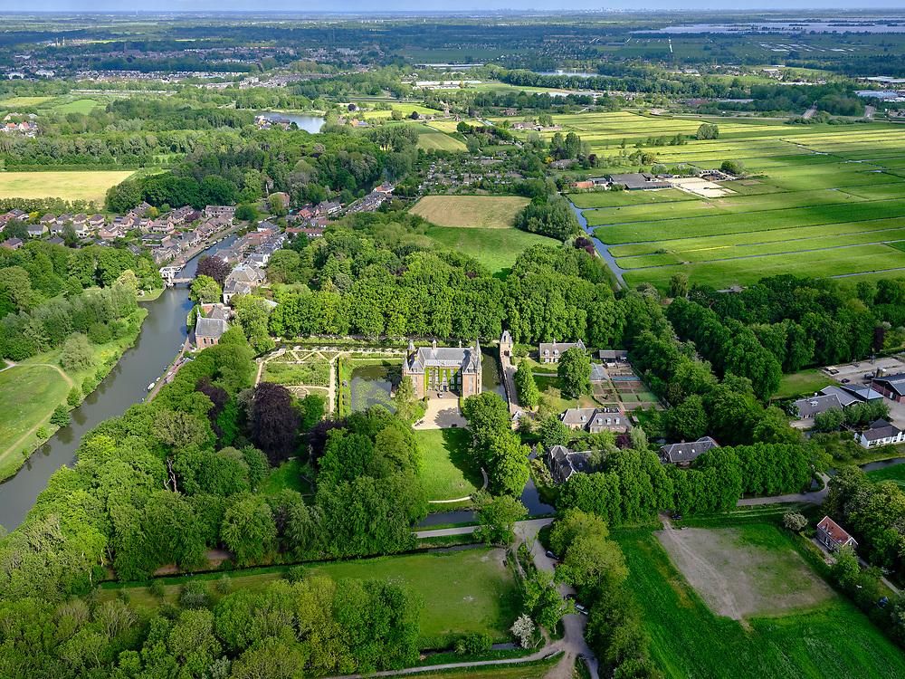 Nederland, Utrecht, Oud-Zuilen; 14–05-2020; Slot Zuylen, historisch kasteel en buitenplaats gelegen aan de Utrechtse Vecht.<br /> Zuylen Castle, historic castle and country estate.<br />  <br /> luchtfoto (toeslag op standaard tarieven);<br /> aerial photo (additional fee required)<br /> copyright © 2020 foto/photo Siebe Swart