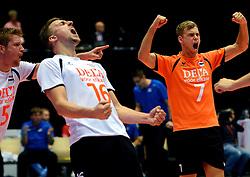 22-09-2013 VOLLEYBAL: EK MANNEN NEDERLAND - SLOVENIE: HERNING<br /> Nederland wint met 3-1 van Slovenie en plaatst zich voor de volgende ronde / (L-R) Jelte Maan, Robin Overbeeke, Gijs Jorna<br /> ©2013-FotoHoogendoorn.nl<br />  / SPORTIDA