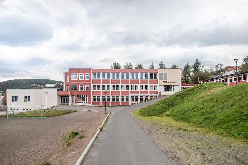 Seljestad barneskole er en barneskole i Harstad kommune i Troms. Skolen er lokalisert i bydelen Seljestad, omtrent to kilometer sør for Harstad sentrum.