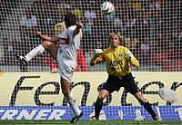 Fotball 11. september 2004, Bundeliga, VfB Stuttgart - Hamburger SV,<br />  1:0 Tor von Silvio MEISSNER, Torwart Martin PIECKENHAGEN HSV