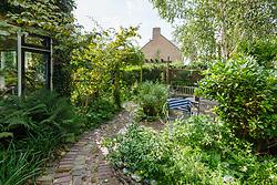 Natuurrijke tuin Kortenhoef Netherlands