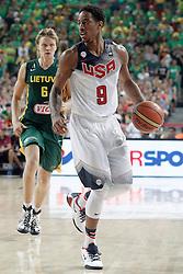 11.09.2014, City Arena, Barcelona, ESP, FIBA WM, USA vs Litauen, Halbfinale, im Bild USA's DeMar Derozan (r) and Lithuania's Mindaugas Kuzminskas // during FIBA Basketball World Cup Spain 2014 semi-final match between United States and Lithuania at the City Arena in Barcelona, Spain on 2014/09/11. EXPA Pictures © 2014, PhotoCredit: EXPA/ Alterphotos/ Acero<br /> <br /> *****ATTENTION - OUT of ESP, SUI*****