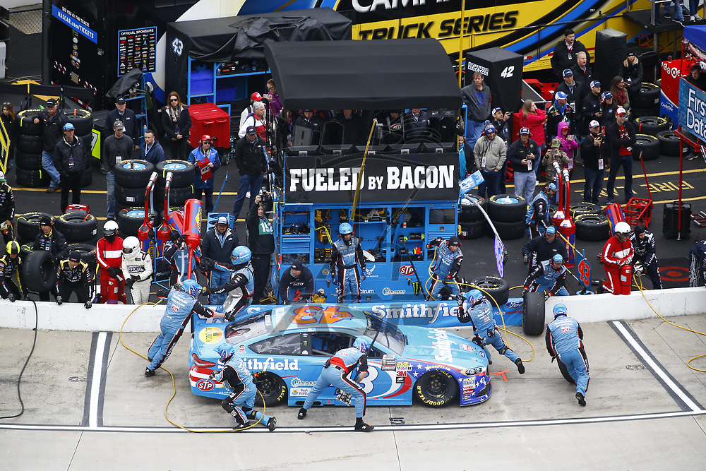 October 29, 2017 - Martinsville, Virginia, USA: Aric Almirola (43) brings his car down pit road for service during the First Data 500 at Martinsville Speedway in Martinsville, Virginia.