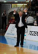 DESCRIZIONE : Verona Campionato Lega Basket A2 2011-12 Tezenis Verona Pallacanestro S.Antimo<br /> GIOCATORE : Luigi Garelli <br /> SQUADRA : Tezenis Verona<br /> EVENTO : Campionato Lega Basket A2 2011-2012<br /> GARA : Tezenis Verona Pallacanestro S.Antimo<br /> DATA : 06/11/2011<br /> CATEGORIA : Allenatore<br /> SPORT : Pallacanestro <br /> AUTORE : Agenzia Ciamillo-Castoria/L.Lussoso<br /> Galleria : Lega Basket A2 2011-2012 <br /> Fotonotizia : Verona Campionato Lega Basket A2 2011-12 Tezenis Verona Pallacanestro S.Antimo<br /> Predefinita :