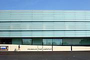 Nederland, Nijmegen, 29-8-2005..Gemeentelijk museum het Valkhof. Cultuur, kultuur, architectuur, bouwkunst. ..Foto: Flip Franssen/Hollandse Hoogte