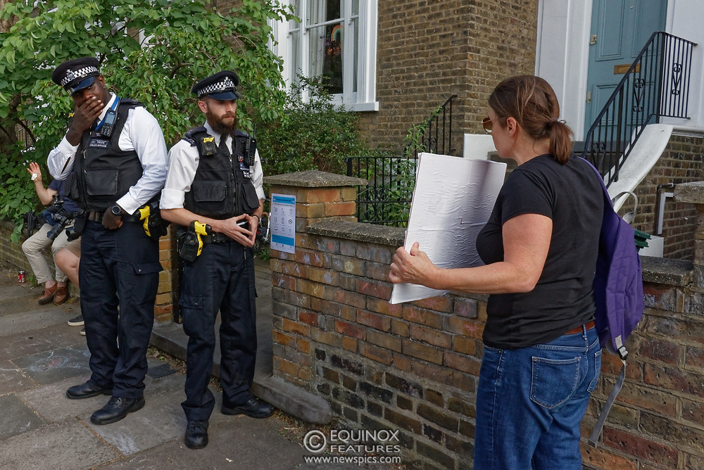 London, United Kingdom - 26 May 2020<br /> The scene at Dominic Cummings home in North London today where the police monitored the street and two or three supporters turned up to support of him as he arrived home. Islington, London, England, UK.<br /> **VIDEO AVAILABLE**<br /> (photo by: EQUINOXFEATURES.COM)<br /> Picture Data:<br /> Photographer: Equinox Features<br /> Copyright: ©2020 Equinox Licensing Ltd. +443700 780000<br /> Contact: Equinox Features<br /> Date Taken: 20200526<br /> Time Taken: 17540600<br /> www.newspics.com
