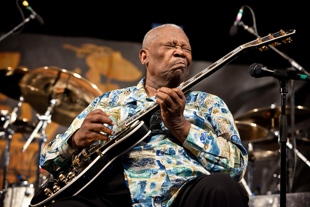 BB King performs on the Blues Tent Stage on Day 7 at the New Orleans Jazz and Heritage Festival at the New Orleans Fair Grounds Race Course in New Orleans, Louisiana, USA, 2 May 2010.