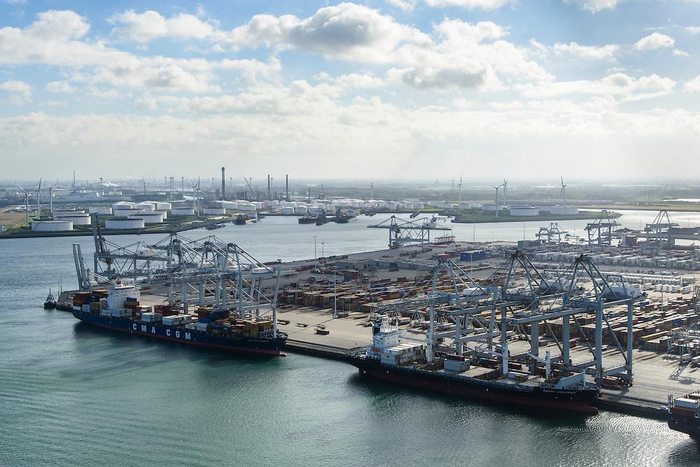 Nederland, Zuid-Holland, Rotterdam, 23-10-2013; Europhaven met  APM Terminals (Maersk), 6e Petroleumhaven in de achtergrond.<br /> Container terminal Rotterdam, Harbor APM Terminals (Maersk).<br /> luchtfoto (toeslag op standard tarieven);<br /> aerial photo (additional fee required);<br /> copyright foto/photo Siebe Swart