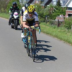 08-05-2016: Wielrennen: Giro: Arnhem<br />ARNHEM (NED) wielrennen<br />De tweede etappe van de voerde het peloton door de over Betuwe en de Liemers. Maarten Tjallingi was weer in de aanval