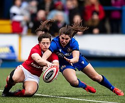 Robyn Wilkins of Wales and Maria Magatti of Italy vie for the ball <br /> <br /> Photographer Simon King/Replay Images<br /> <br /> Six Nations Round 1 - Wales Women v Italy Women - Saturday 2nd February 2020 - Cardiff Arms Park - Cardiff<br /> <br /> World Copyright © Replay Images . All rights reserved. info@replayimages.co.uk - http://replayimages.co.uk