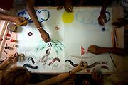 Sao Luis_MA, Brasil...Projeto Jovens Construtores do Saber - Comunidade Vila Olimpica. Na foto oficina de artes...The Jovens Construtores do Saber project, Vila Olimpica community. ..Foto: LEO DRUMOND / NITRO