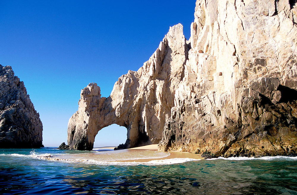 Mexico: Cabo San Lucas.  Land's End rock formations.  Photo #: mxcabo101..Photo copyright Lee Foster, www.fostertravel.com, 510/549-2202, lee@fostertravel.com