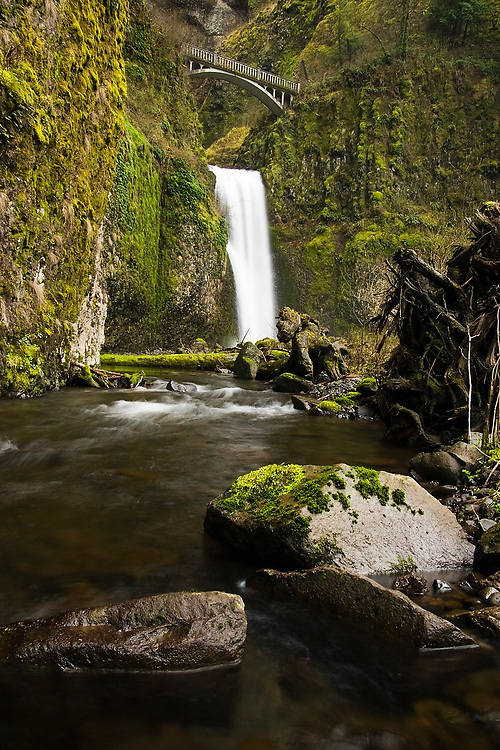 Multnomah Falls, Columbia River Gorge, Oregon.