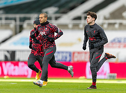 NEWCASTLE-UPON-TYNE, ENGLAND - Wednesday, December 30, 2020: Liverpool's Thiago Alcantara (L) and Neco Williams during the pre-match warm-up before the FA Premier League match between Newcastle United FC and Liverpool FC at St. James' Park. The game ended in a goal-less draw. (Pic by David Rawcliffe/Propaganda)