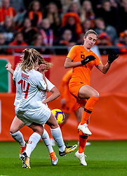 09-11-2018 NED: UEFA WC play-off final Netherlands - Switzerland, Utrecht<br /> European qualifying for the 2019 FIFA Women's World Cup - Vivianne Miedema #9 of Netherlands, Luana Buhler #22 of Switzerland